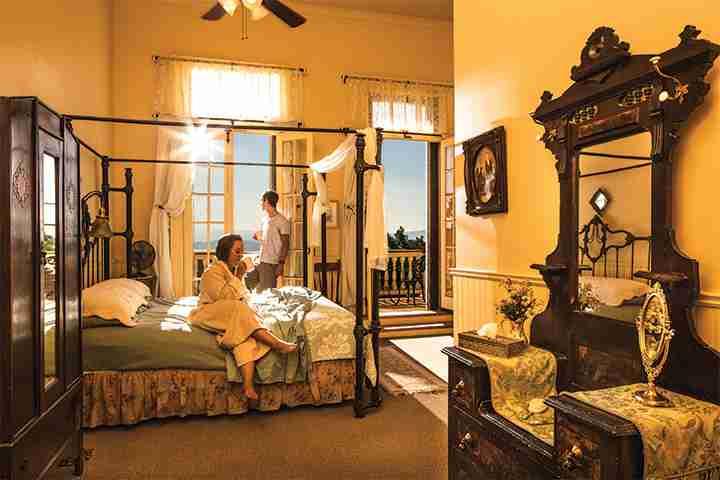 hotel-room-lr