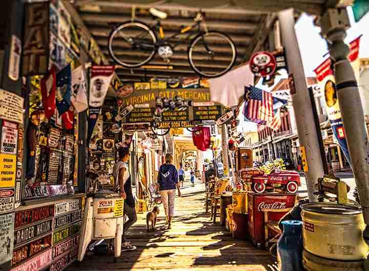merchant-sidewalk-lr
